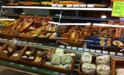 Reisenauswahl an Brot und Gebäck